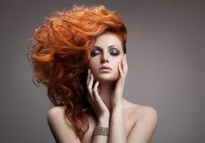 Schönheits-Porträt. Frisur stockfoto