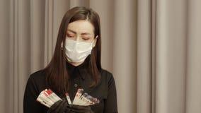 Schönheits-Salon - Manikürist stock video