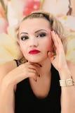 Schönheits-Salon-Modemädchenporträt Lizenzfreie Stockfotografie