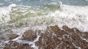 Schönheits-Strandhintergrund der Seewellensommerzeitlupe sonniger stock video footage