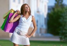 Schönheitseinkaufsfrau Stockfoto