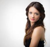 Schönheitsfrau mit Haar-Hintergrundisolat der Schönheit langem braunem Lizenzfreies Stockbild