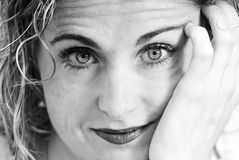Schönheitsfrau Schwarzweiss Stockfotografie