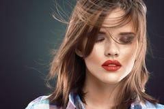 Schönheitsfrauengesicht mit geschlossenen Augen Lizenzfreies Stockbild