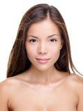 Schönheitsfrauenportrait - Brunette Lizenzfreie Stockfotos