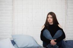 Schönheitsfrauenportrait des jugendlich Mädchens Lizenzfreie Stockfotos