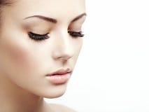 Schönheitsgesicht. Perfektes Make-up lizenzfreie stockbilder