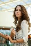 Schönheitskursteilnehmer im Campus stockfotografie