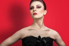 Schönheitsporträt der jungen roten behaarten Frau Lizenzfreies Stockbild