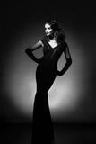 Schönheitsporträt in voller Länge der Frau im Retrostil Addieren Sie Geräusche a Stockfotos