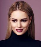Schönheitsporträt von Blondinen Lizenzfreie Stockfotos