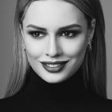 Schönheitsporträt von Blondinen Lizenzfreie Stockfotografie