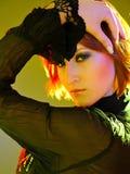 Schönheitsportrait der hübschen Frau mit Pendelhaarschnitt lizenzfreie stockfotos