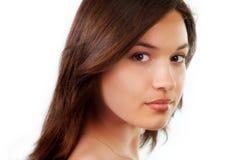 Schönheitsportrait der natürlichen reinen jungen Frau Stockbild