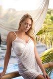 Schönheitsportrait einer blonden Frau stockfotos