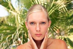 Schönheitsportrait einer blonden Frau lizenzfreies stockbild