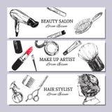 Schönheitssalonfahne mit bilden Sie Gegenstände: Lippenstift, Creme, Bürste Schablonen-Vektor Hand gezeichnete lokalisierte Gegen lizenzfreie abbildung