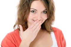 Schüchtern lächelnde Jugendliche lizenzfreie stockbilder