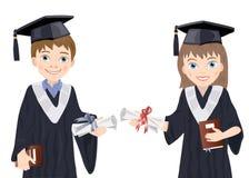 Schüler und Schulmädchen in den graduierten Kostümen Stockfotografie