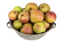 Schüssel Äpfel für Torte lizenzfreies stockbild