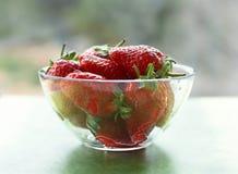 Schüssel Erdbeeren Lizenzfreies Stockbild