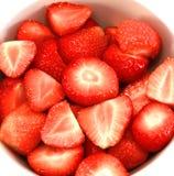 Schüssel Erdbeeren in der Nahaufnahme Lizenzfreies Stockfoto