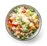 Schüssel gekochter Reis mit Gemüse Stockbild