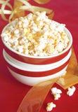 Schüssel reifes Popcorn Stockbilder