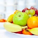 Schüssel sortierte Frucht Lizenzfreies Stockfoto
