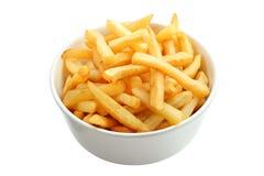 Schüssel voll Pommes-Frites getrennt auf Weiß Stockfoto