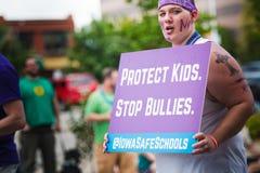 Schützen Sie Kinder - stoppen Sie Tyranne Lizenzfreie Stockfotos
