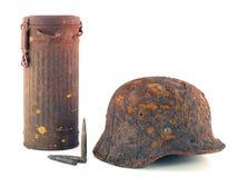 Schützender Sturzhelm und der Behälter für eine Gasmaske lizenzfreies stockbild