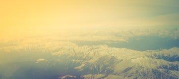 Sch?ne Landschaft von Himalajabergen, Ansicht vom Flugzeug (Gefilterter Bild verarbeiteter Weinleseeffekt lizenzfreie stockbilder