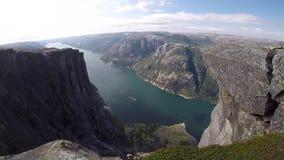 Sch?ner Fjord in Norwegen Ansicht von der Oberseite stock video