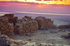 Sch?ner Sonnenaufgang ?ber Masada-Festung stockbild