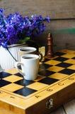 Schaak en koffie Royalty-vrije Stock Foto's