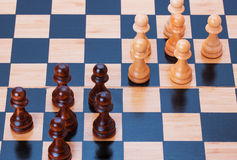 Schaak op een schaakraad Royalty-vrije Stock Afbeeldingen