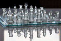 Schaakbord en schaakstukken Stock Afbeelding