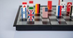 Schaakbord met vlaggen van landen Stock Foto