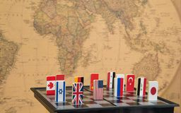 Schaakbord met vlaggen van landen Stock Foto's