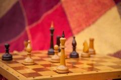 Schaakstukken. Spelschaak in het park in twee. Royalty-vrije Stock Foto's