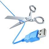 Schaar die de USB-kabel snijden Royalty-vrije Stock Foto