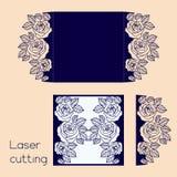 Schablone des Hochzeitsumschlags mit Rosen für Laser-Ausschnitt lizenzfreie abbildung