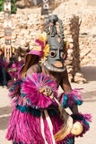 Schablone und der Dogon Tanz, Mali. Lizenzfreies Stockfoto