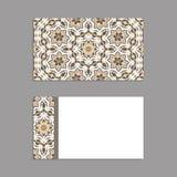 Schablonen für den Gruß und Visitenkarten, Broschüren, Abdeckungen mit Blumenmotiven Orientalisches Muster mandala Lizenzfreie Stockfotos