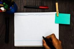 Schablonenkopien-Raumtext des Entwurfsgeschäftskonzeptes befestigte leerer für Anzeigenwebsite Register Seitenhandschriftstext lizenzfreie stockfotografie