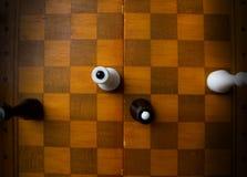 Schach auf einem Schachbrett Lizenzfreies Stockbild