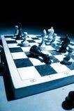 Schach auf einem Vorstand Stockbild