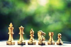 Schach-Brettspiel Ordnende Position des Teams Geschäft wettbewerbsfähig und Strategieplanungskonzept lizenzfreies stockfoto