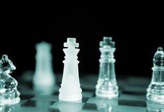 Schach (Fokus auf nahem König) stockbild